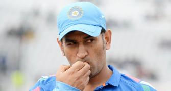 Recuperating Dhoni likely to join team in Adelaide
