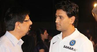 'Big fan of Dhoni, would like him to play in T20 WC'