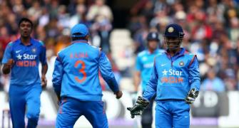 Dhoni is an amazing captain and a strong leader: Gilchrist