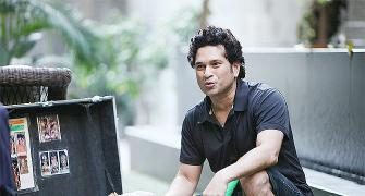 VIDEO: Sachin Tendulkar plays gully cricket with locals in Mumbai