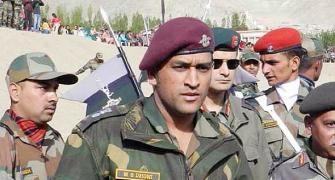 Dhoni joins Army troops in militancy-infested Kashmir