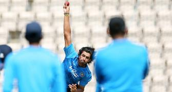 It is like CHEATING the people, Azad hits out at Ishant