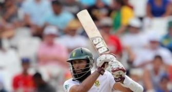Amla and De Villiers lift South Africa