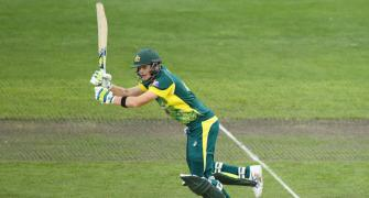 Smith steers Australia to final after thrilling win over England
