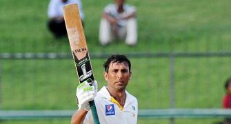 Younis stars as Pakistan chase down 377 to win Sri Lanka series
