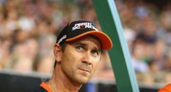 Ponting lends support to embattled Aus coach Langer