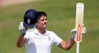 Cook breaks Tendulkar's record; youngest to score 10,000 Test runs