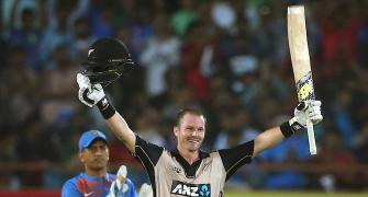 Munro's ton powers New Zealand to series-levelling win