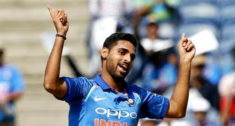Bhuvneshwar best bowler in the death overs, says Dhawan