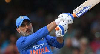 MS Dhoni is not retiring, clarifies Ravi Shastri