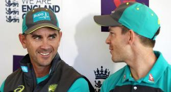 Senior Aus players have talks with under-fire Langer