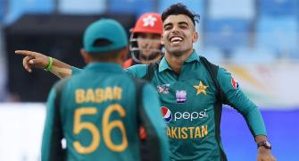 Three England-bound Pak cricketers COVID-19 positive