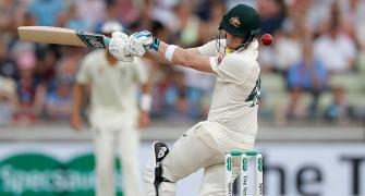 Ashes PIX: Smith frustrates England again