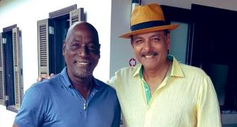 Shastri shares epic picture with Viv Richards