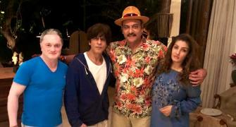 Ravi Shastri enjoys night out with SRK, Raveena Tandon