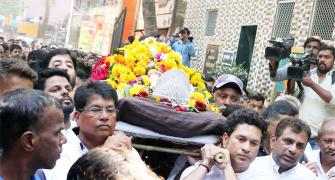 PIX: Tearful Tendulkar bids Achrekar Sir final goodbye