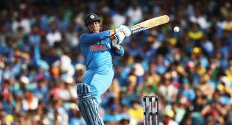 Dhoni 5th Indian to score 10000 ODI runs