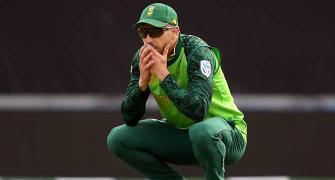 SA cricketers threaten strike ahead of England series