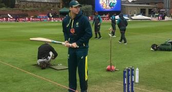 SEE: Smith gives fans batting tips