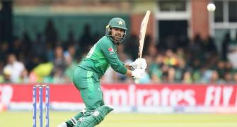 Waqar hails Pakistan's 'fearless cricket'