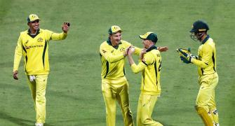 Australia edge Pakistan by 6 runs in 4th ODI