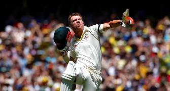 Warner savours unbeaten triple-ton to put Pak on ropes