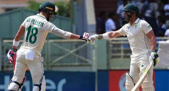 Du Plessis wants his batsmen to 'bat big'