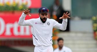 Dominant India on verge of blanking struggling S Africa