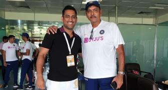 PIX: Dhoni checks in to congratulate Team India