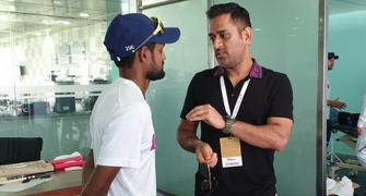 WATCH: Kohli's sarcastic reply to journalist on Dhoni