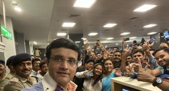 Ganguly's airport selfie takes internet by storm