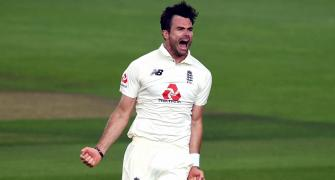 Curran backs under-fire Anderson to get to 600