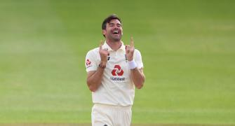Anderson first pace bowler to take 600 Test wickets