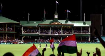 Sydney offers to host last 2 Australia-India Tests