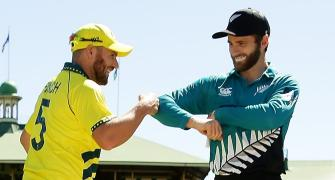 Coronavirus: Finch, Williamson avoid handshake