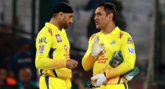 Young Dhoni was a shy, very quiet guy: Harbhajan