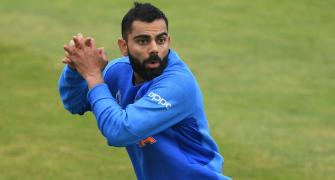 SEE: Kohli loves 'Test cricket practice sessions'