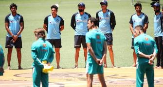 Indian cricketers join Aussies in anti-racism gesture