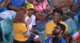 Marriage proposal at SCG melts hearts