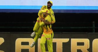 PIX: Jadeja-Faf team up for AMAZING relay catch