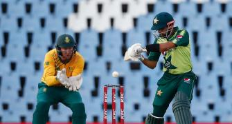 Fakhar flays SA as Pak seal T20 series with nervy win