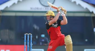 De Villiers wants to play for South Africa in T20 WC