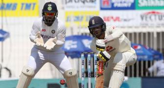 England need miracle to save Test on Chennai 'beach'