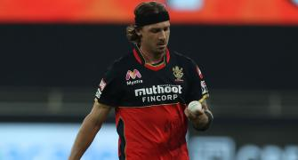 A day after criticising IPL, Steyn apologises