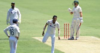 Saini leaves field after injury on Day 1 of 4th Test