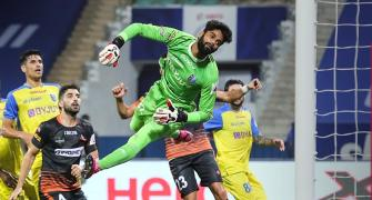 ISL: 10-man FC Goa hold Kerala