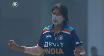 Jhulan, Mandhana star as India down SA to level series