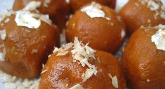 Recipe: How to make besan ladoos