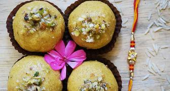 Recipe: Make Besan Rava Laddoo this Diwali