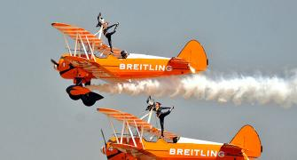 Breitling Wingwalkers: Out on the wing